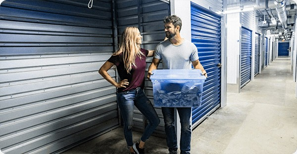 Aqueela and Ryan loading their new storage unit at Accurate Self Storage